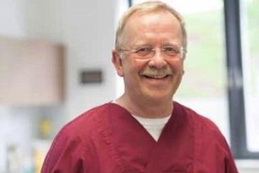 Dr. Günther Schierz