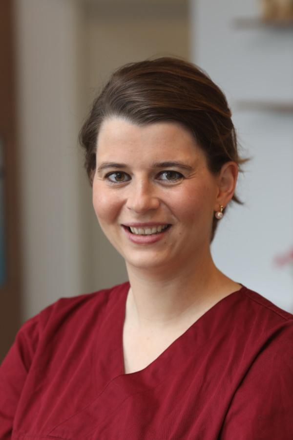 Dr. LISA-MARIE BILDHEIM