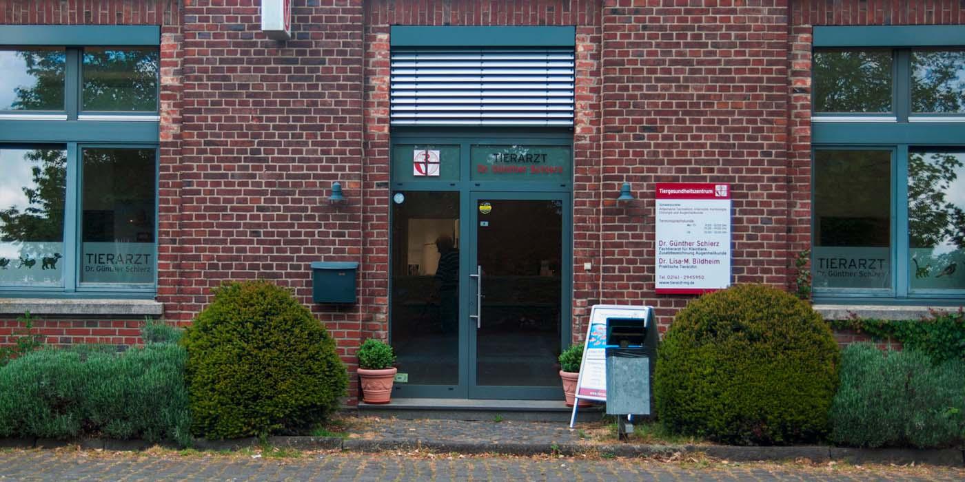 Eingang Tiergesundheitszentrum
